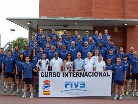 Romera volgde in 2013 een internationale coaching course in Barcelona en behaalde er een officieel diploma voor FIVB coach -