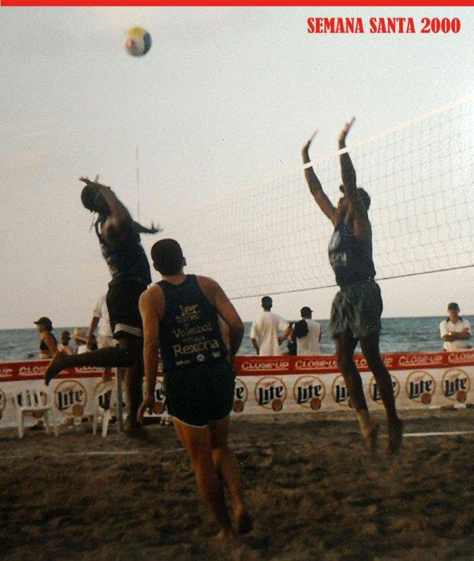 Reinaldo 'Rey' Romero tijdens een beachvolleybaltornooi in Honduras