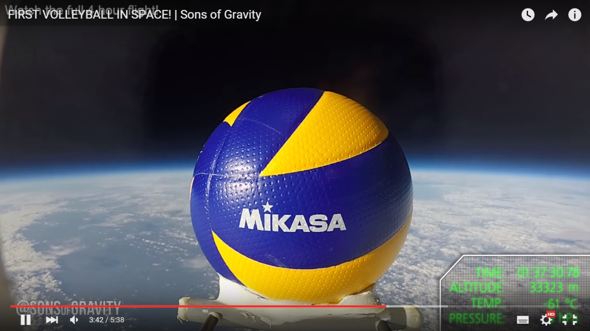 Volleybal in space